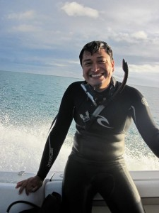 PhD Student from SFU Luis ready to dive for lionfish.